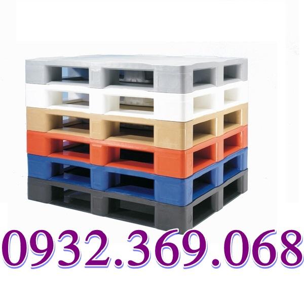 Pallet Nhựa Có Những ưu điểm Gì So Với Pallet Gỗ Thông Thường.